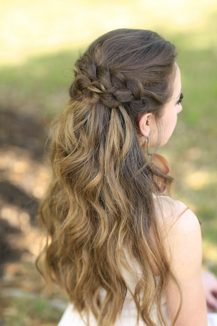 Frisuren Mittelalter in moderne Frisuren verwandeln - geflochtete Frisuren