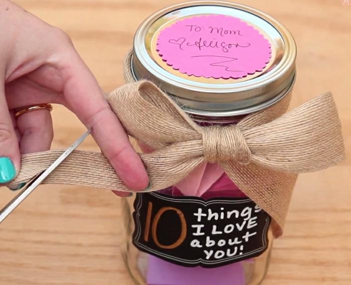 Muttertag Geschenkideen rosa Verzierung, ein Weckglas, zehn inspirierende Zettel