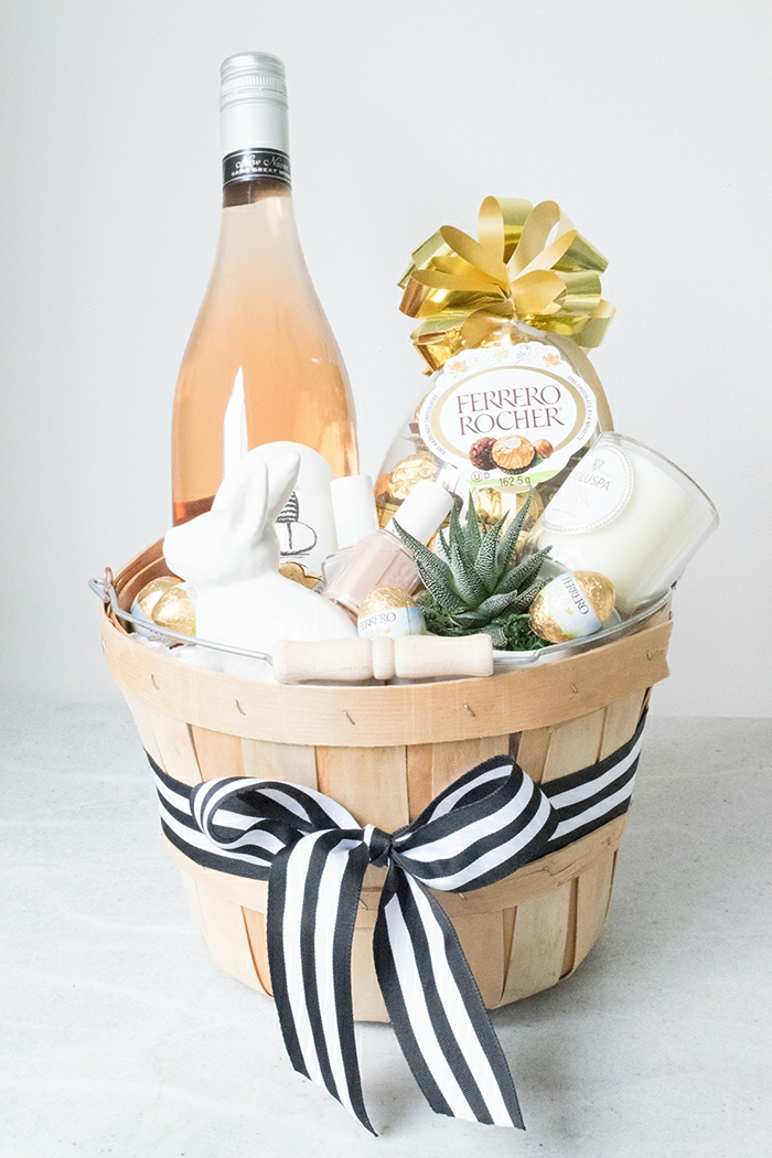Süßigkeiten, Wein, Kaktus, Band, Nagellack Hasenfigur - Präsentkorb Ideen