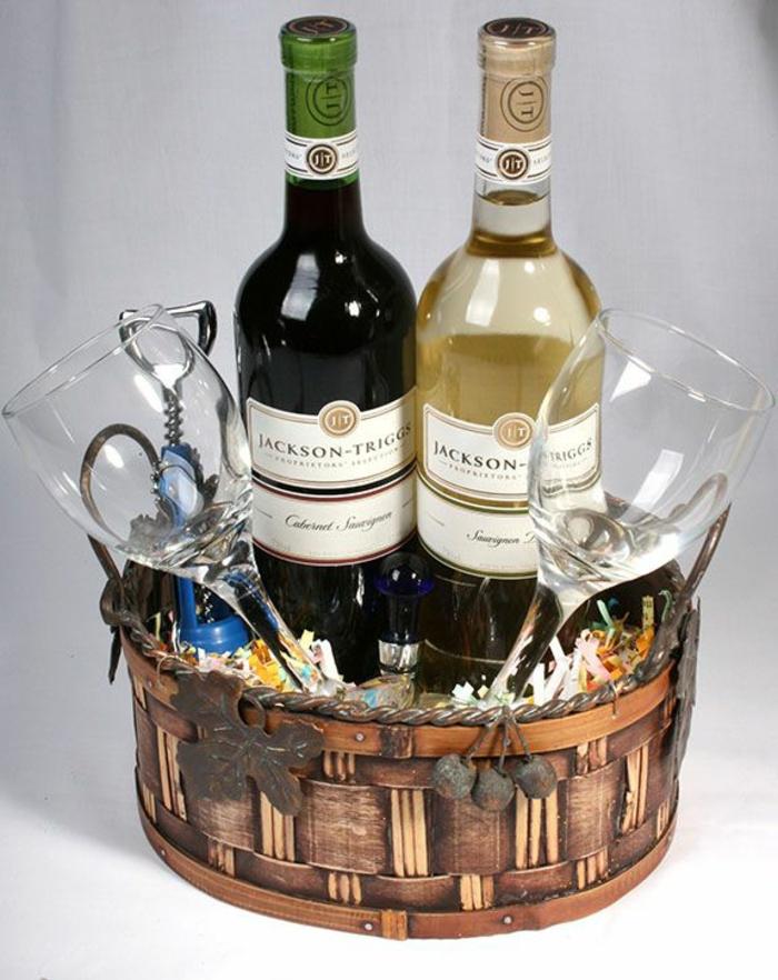 romantisches Dinner Präsentkorb selber machen - zwei Flaschen Wein und zwei Weingläser