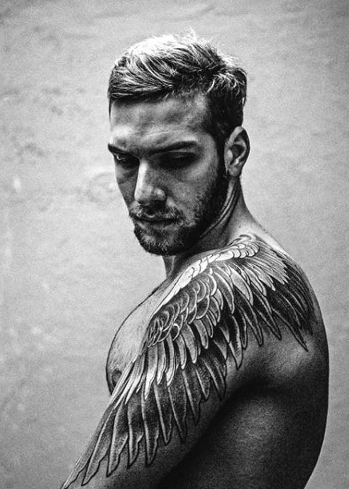 schöne männer tattoos