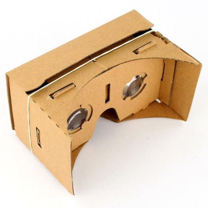 noch tolle vr brille aus pappe mit zwei kleinen okularen und einen weißen gummiband