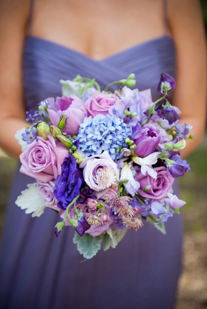 runder Hochzeitsstrauß in Lila, Rosen und Hortensien, Ideen für Lila-Liebhaber