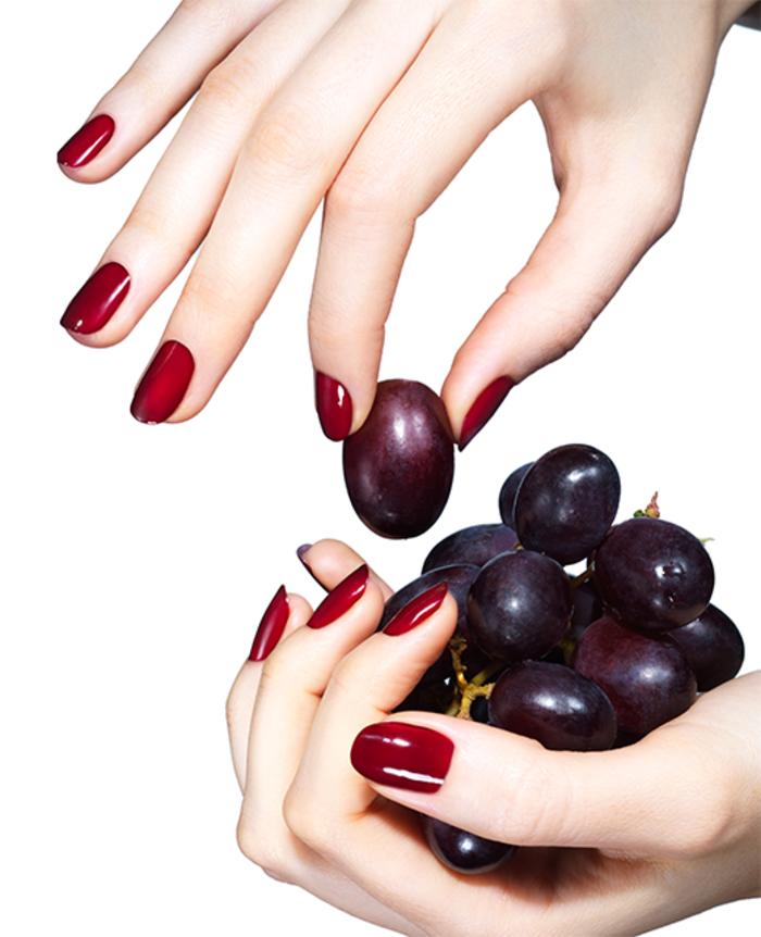roter Nagellack, perfekte Maniküre, passend zu jedem Anlass, stilvoll und elegant
