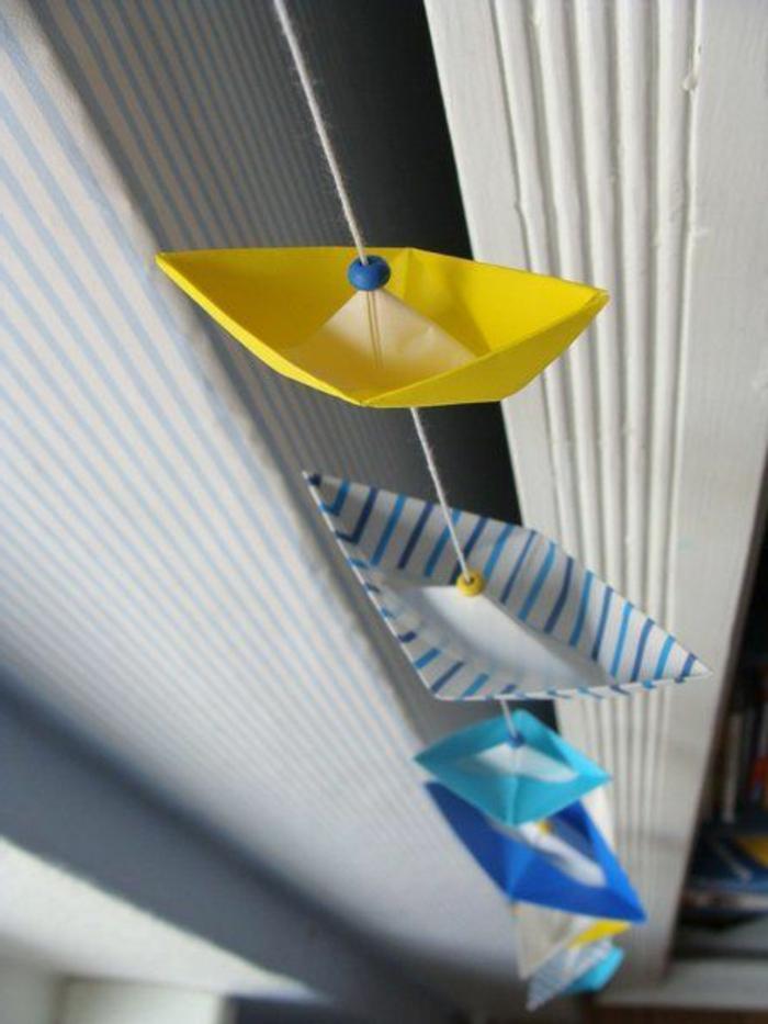 segelschiffchen aus tonpapier basteln und girlande gestalten