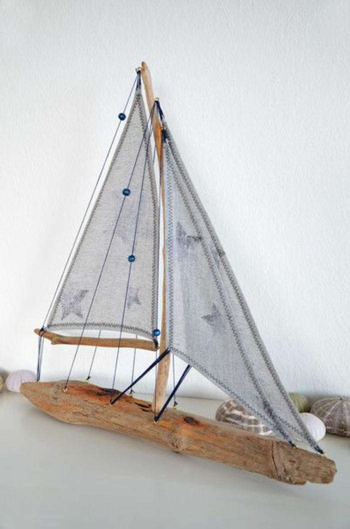 segelschiff basteln stoffreste blaue perlen und stoffreste