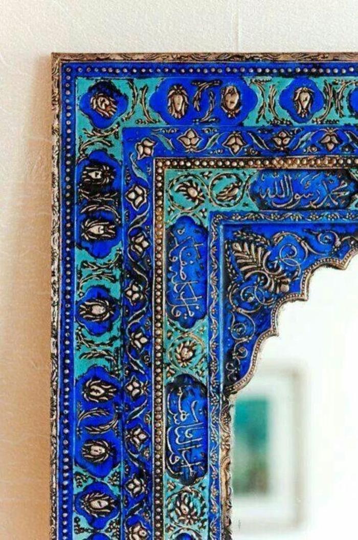 orientalische dekoration einzigartige gestaltung ausführung des rahmen eines spiegels blau und grün mit aufschrift und deko