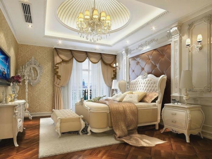 orientalisch wohnen dekorationen im luxuriösen schlafzimmer decke bett spiegel lüster schränke vorhänge luxus