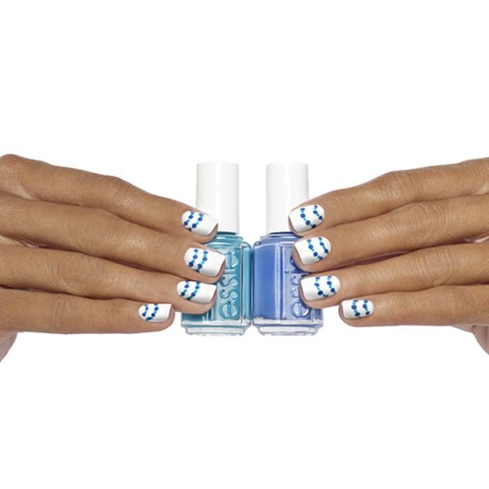 Sommer Nageldesign, Weiß und Blau kombinieren, Manikür für den Sommer