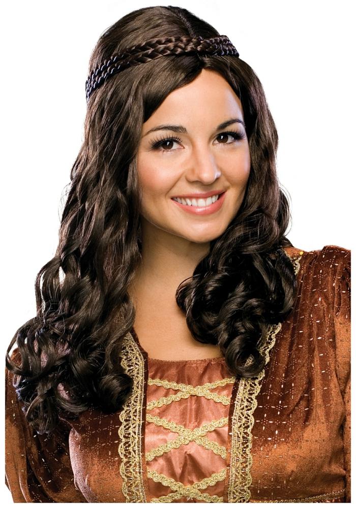 eine nette Frau in mittelalterlicher Kleidung und mittelalterliche Frisur