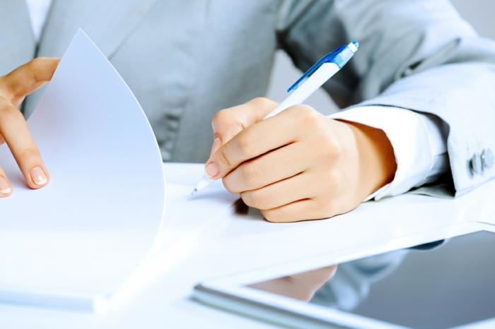 mustervorlage, grauer anzug, dokumenten, kugelschreiber, büro