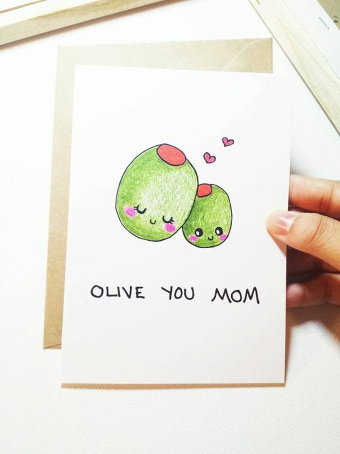 Oliebe dich Mutti auf Olive geschrieben in grüner Farbe - eine Karte als Geschenk
