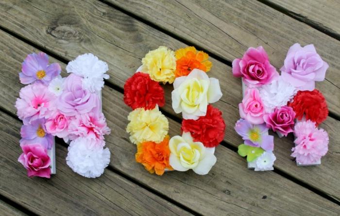 Mutti mit Rosen schreiben - die meist liebe Geste - Geschenkideen für Muttertag
