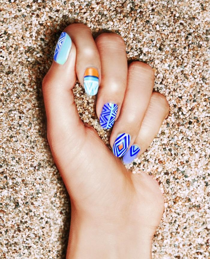 schöne Fingernägel in Blau, Strandmode, coole Ideen für moderne Maniküre