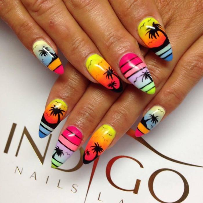 Sommer Nageldesign in grellen bunten Farben, Palmen als Dekorationen, Sommermode
