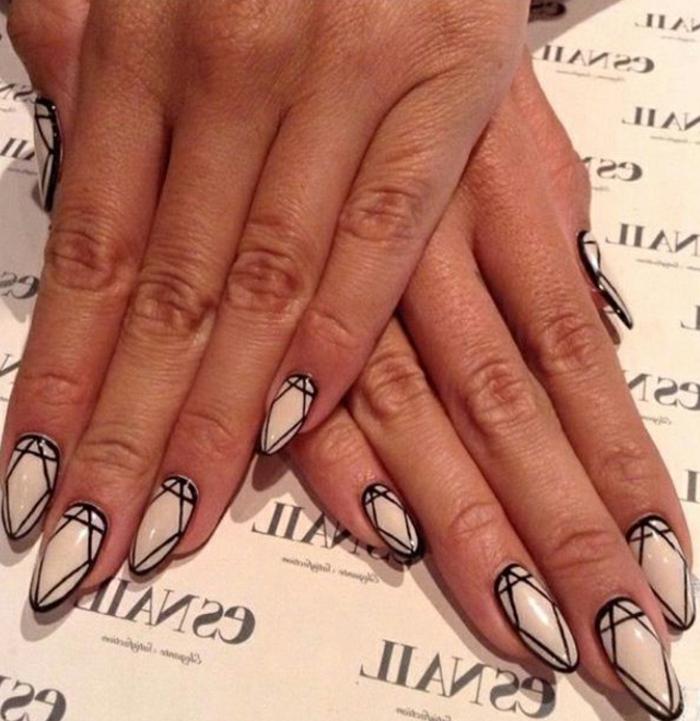 gelnägel formen lackieren und designen wie diamanten steine beige nagellack mit schwarzen dekorationen