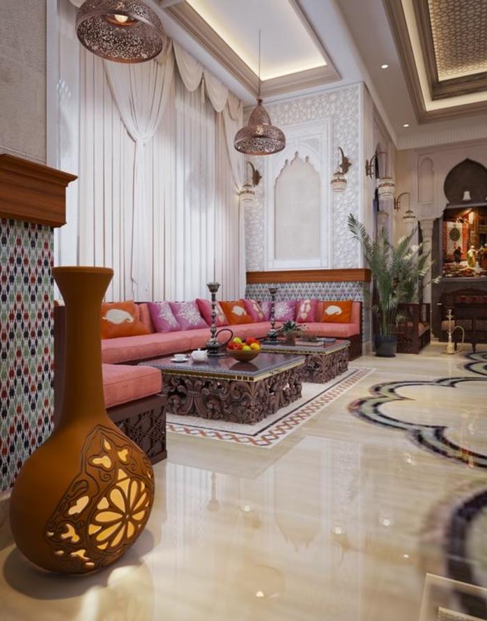 orientalisch wohnen typische elemente im orientalischen haus vorhänge dekorationen auf den tischen holz und marmor