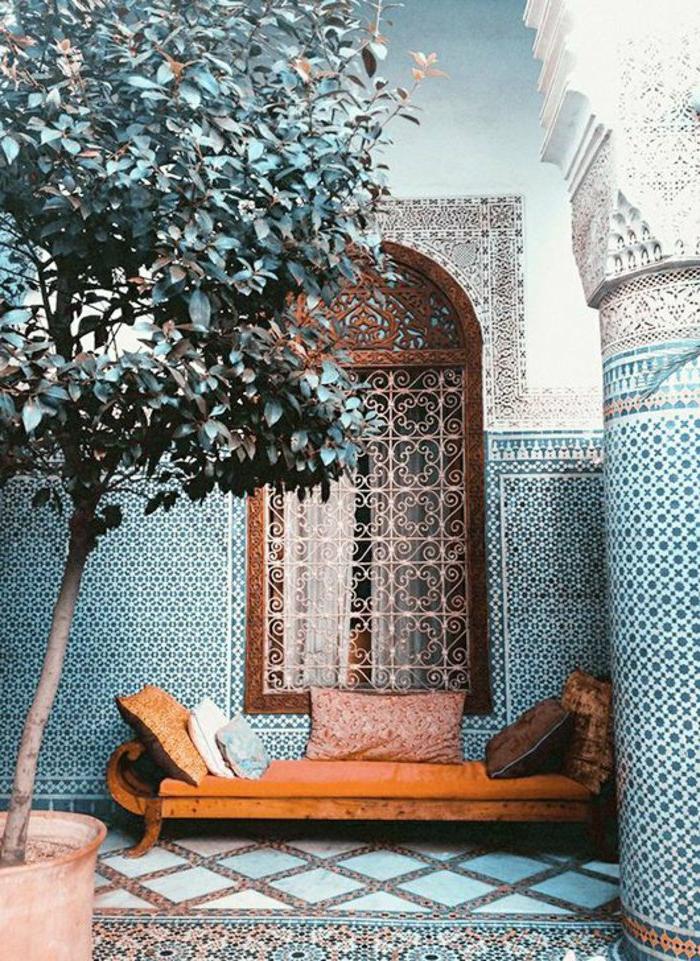 marokkanische lampen dekorationen für den geschlossenen garten orientalischer stil deko kissen und sofa fensterdeko gitter
