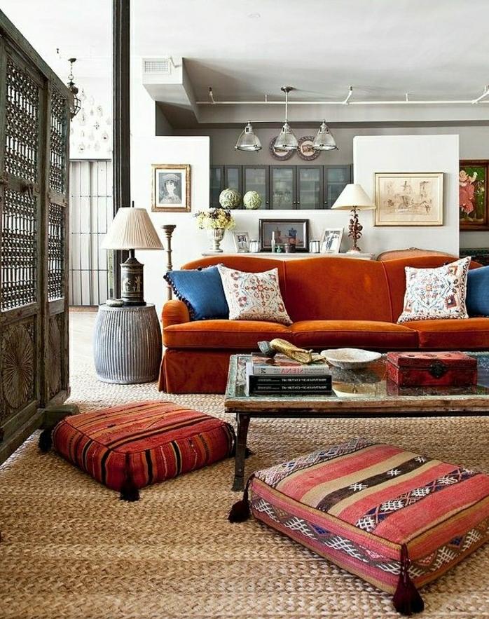 orientalisch wohnen orange rot bunte dekorationen kombination aus stilen und farben kontraste raumteiler aus holz