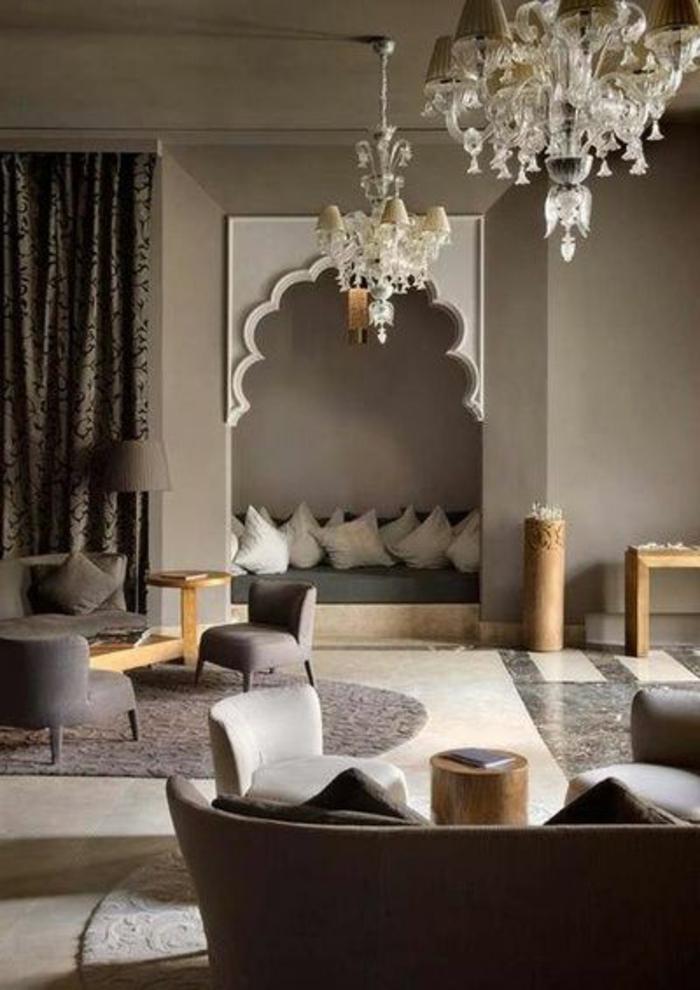 orientalische lampe dekorative lüster besonders schönes design wohnzimmer orientalische sitzecke viele kissen