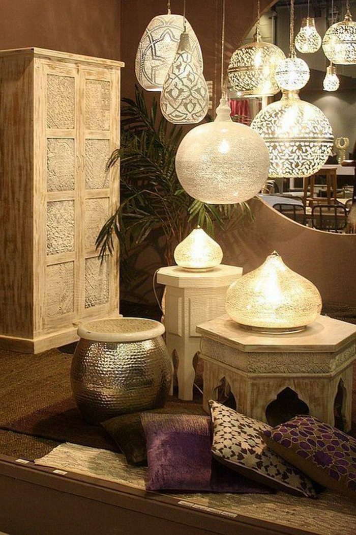 arabische möbel kissen schrank lampen lüster palme dekoration aus dem osten tische tischdeko ideen gestaltung