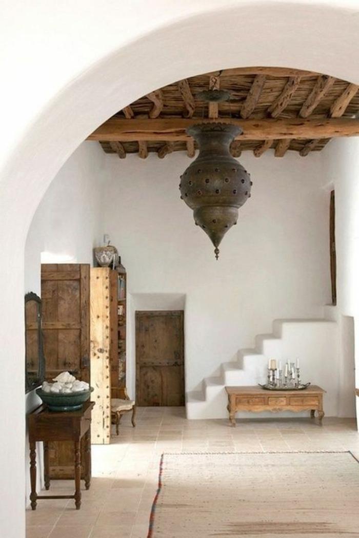 orientalische hängelampen dekorationen wie im bediunenstil einfach schlichtes design stein holz schrank tischdeko