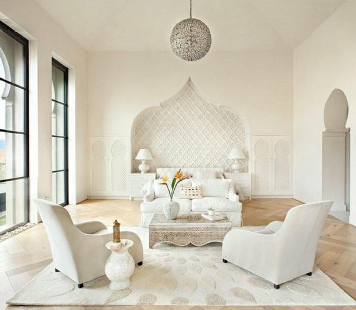 orientalische hängelampen dekorative elemente im modernen wohnzimmer sessel wanddeko sofa weißes design