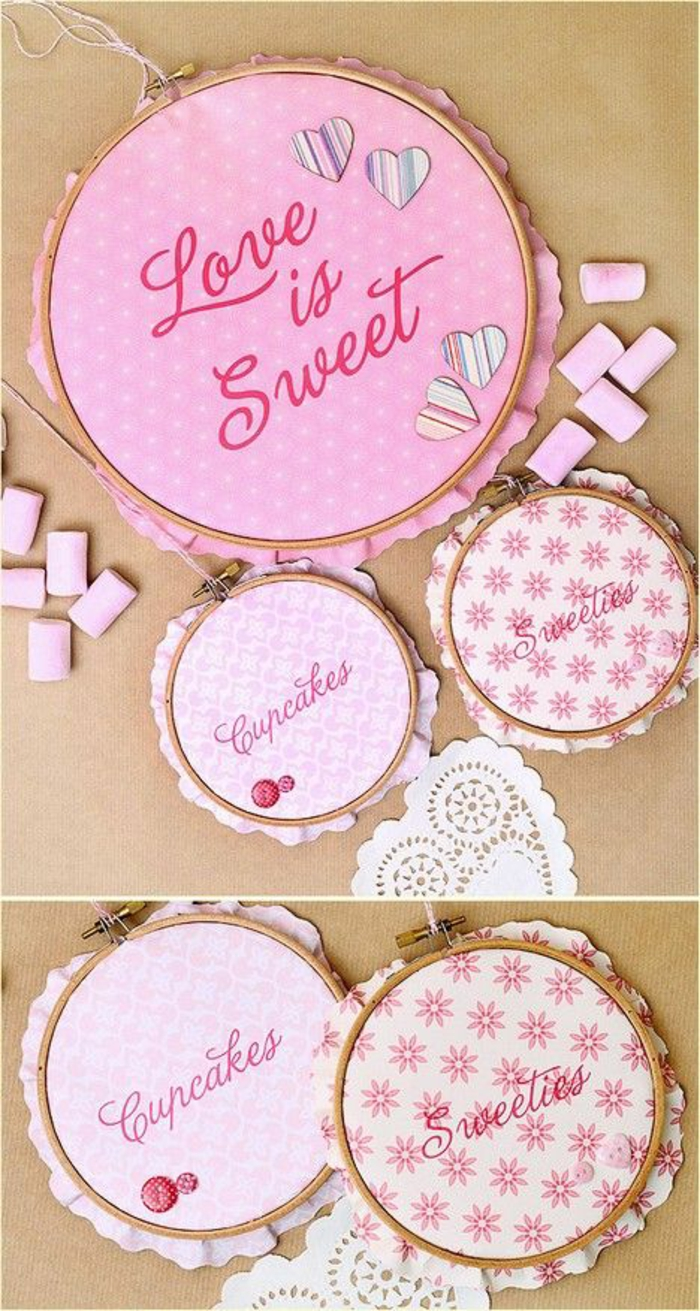 rosa stoff mit blumen, stickrahmen, herzen, pinnwand basteln