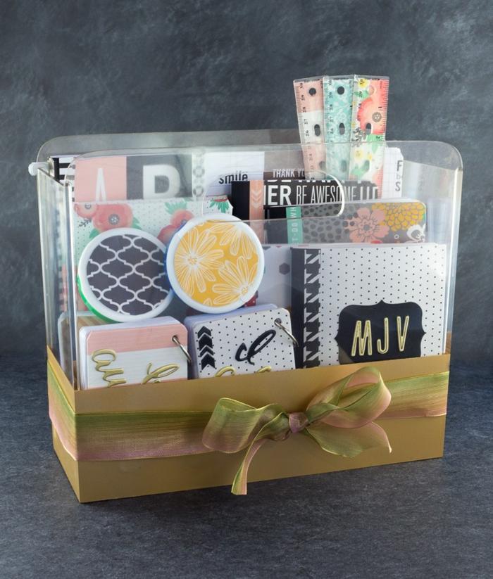 Fertig für die Schule mit Geschenkkorb selber zusammenstellen Designer Hefte und Linien