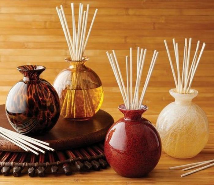 duft und raum, runde vasen, holzstäbchen, dufterfrischer, aromatherapie