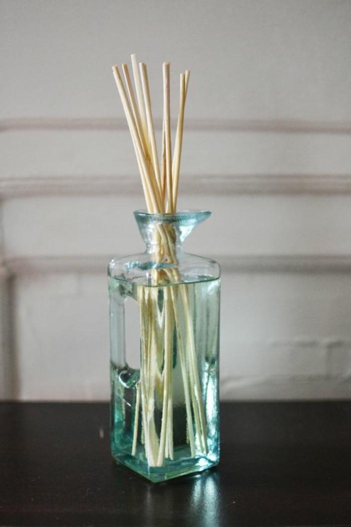 glasbehälter, glasvase, raumduft, holzstäbchen, dufterfrischer
