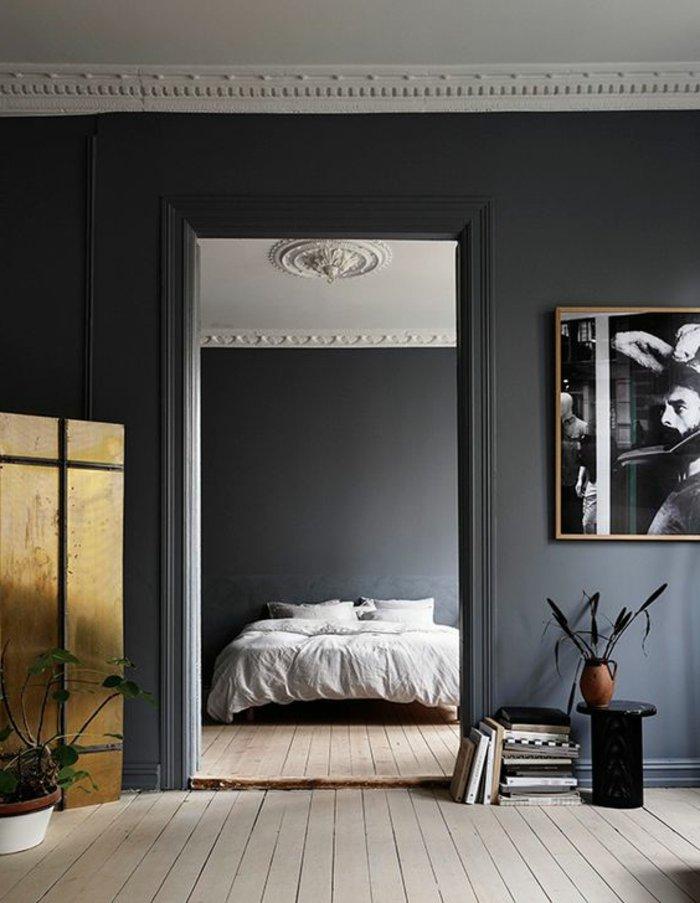 Schlafzimmer grau - interessante Decke in weißer Farbe, graue Wände