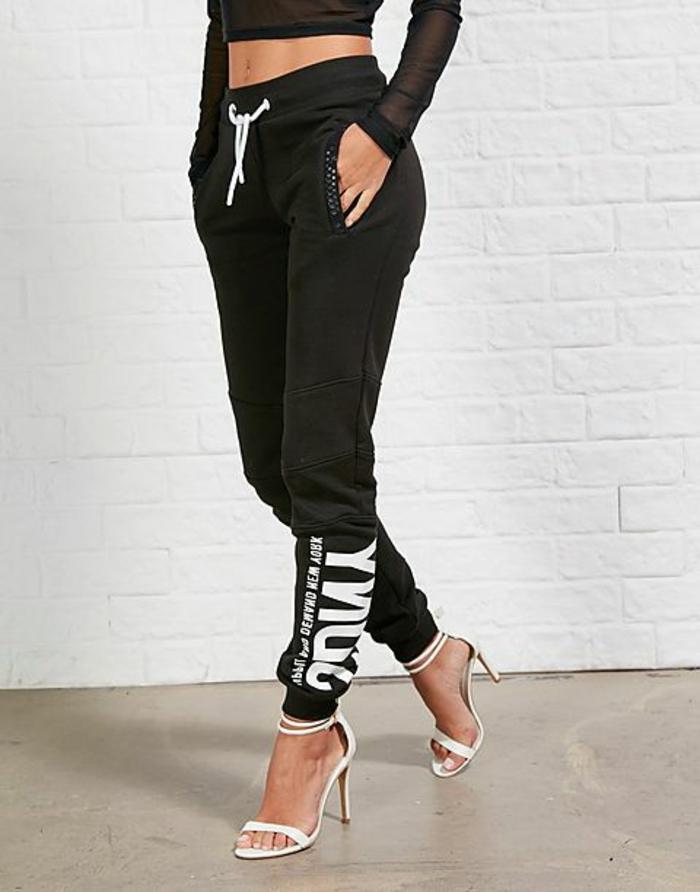 schöne jogginghosen damen schwarz zum high heels kombinieren