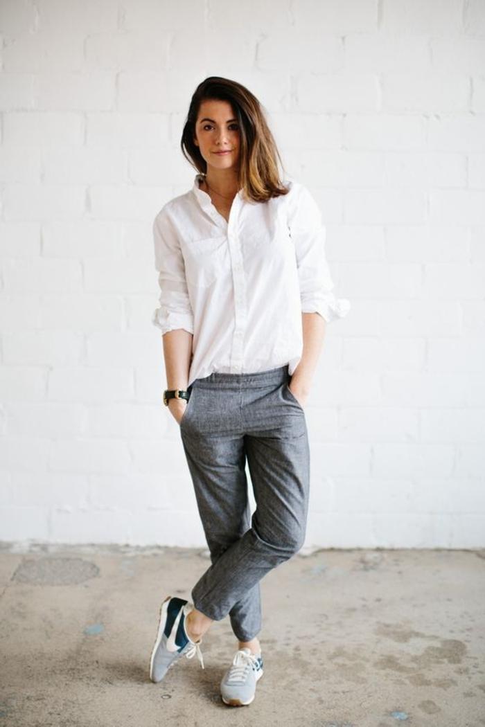 jogginghose grau elegant zum weißen hemd kombieren