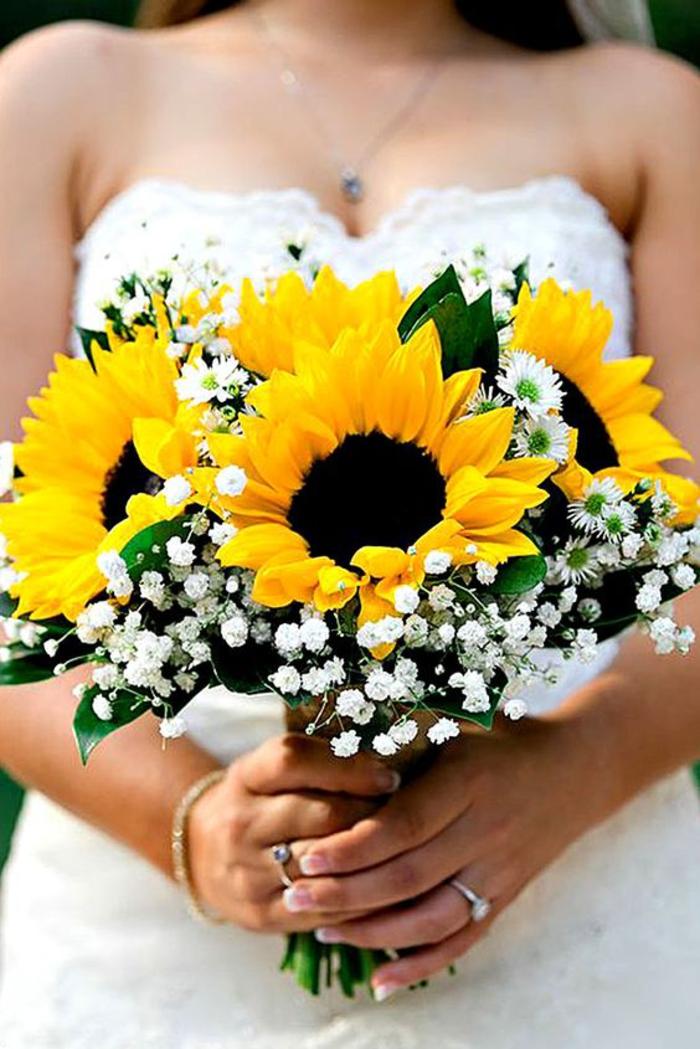 Hochzeitsstrauß in Gelb und Weiß, schöne Sonnenblumen, Ideen für Sommerhochzeit