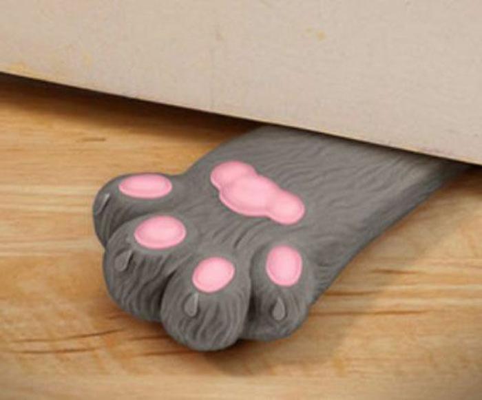 falls Sie mit einer Katze wohnen, brauchen Sie bestimmt Türstopper selber machen