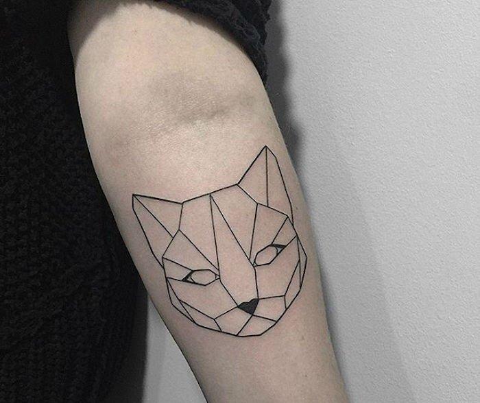 werfen sie einen blick auf diese tolle für einen schwarzen katzen tattoo mit schwarzen linien auf bein