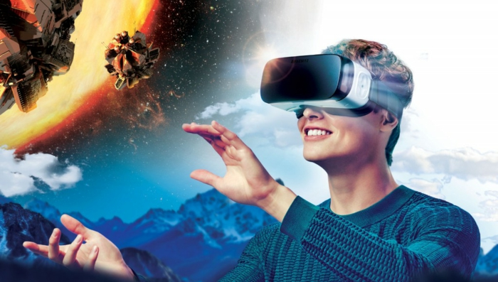 hier ist ein lächelnder mann und tolle moderne birtuelle realität brille, sonne und berge