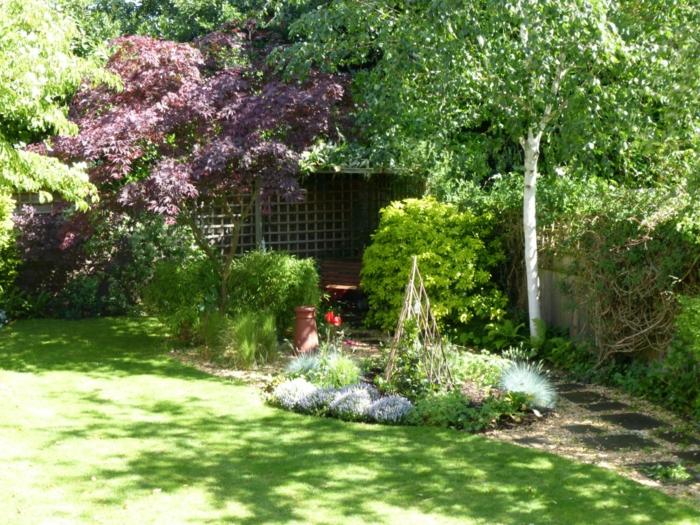 Ständer Für Kletterpflanzen, Gartenbeete Gestalten Eine Birke Und Viel  Grünes Gras