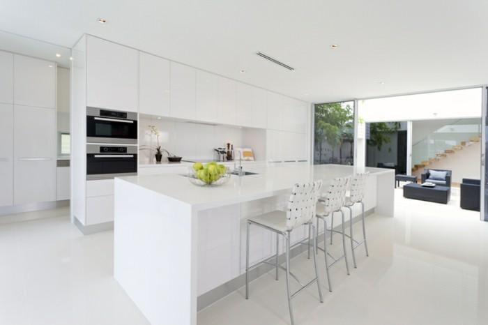 günstige Küchen mit modernem Design in weißer Farbe, offene Küche ohne Trennwand