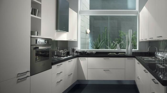 schwarz-weiße Küche, klassische Farbkombination, Küchenfenster schaut zum Außenbereich