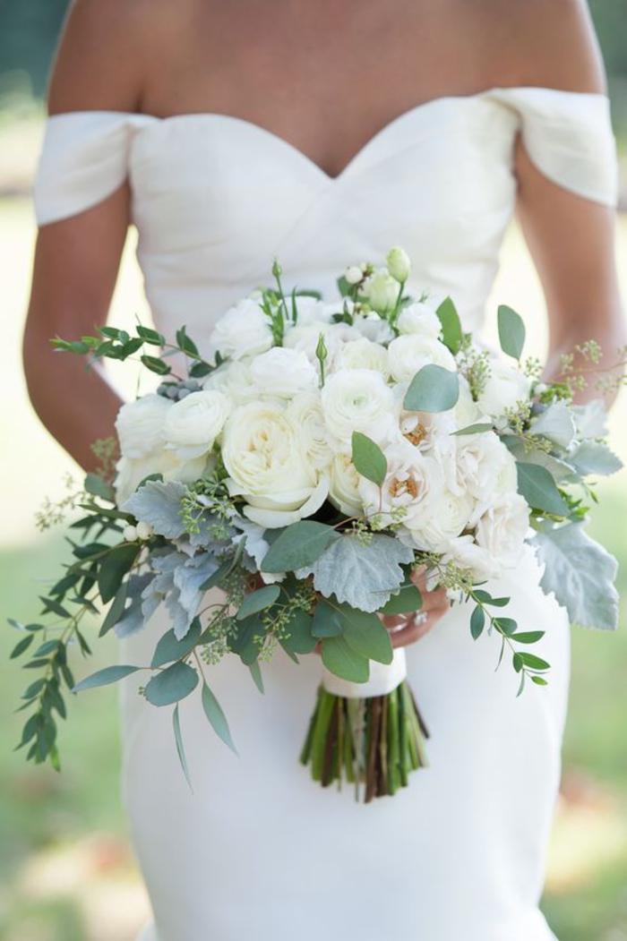 Hochzeitsstrauß in Weiß und Grün, weiße Rosen, Ideen für Sommerhochzeit