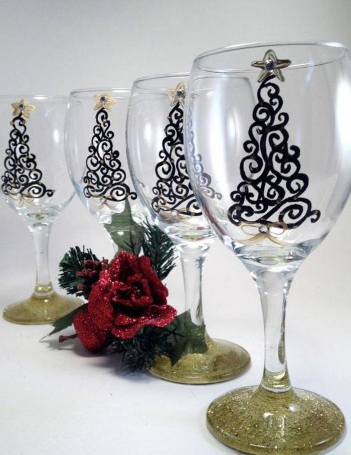 gläser weihnachtslich dekorieren, schwazer marker, sterne, rose, glitzer