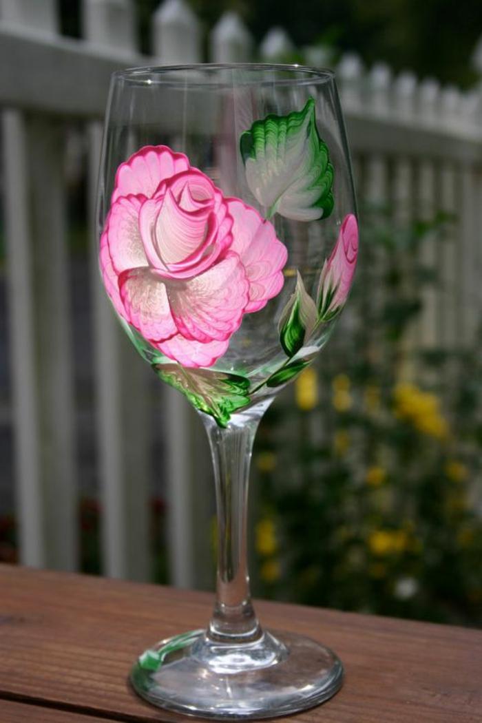 glas mit farbe verzieren, rosa rose, blätter, blume, diy