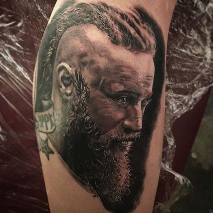 viking tattoos, ragnar tätowieren, bein, beintattoo