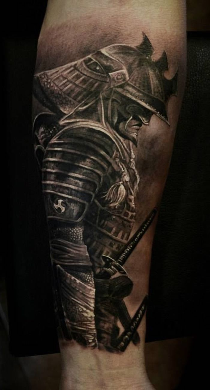 kämpfer tattoo, unterarm tätowieren, unterarmtattoo in schwarz und grau