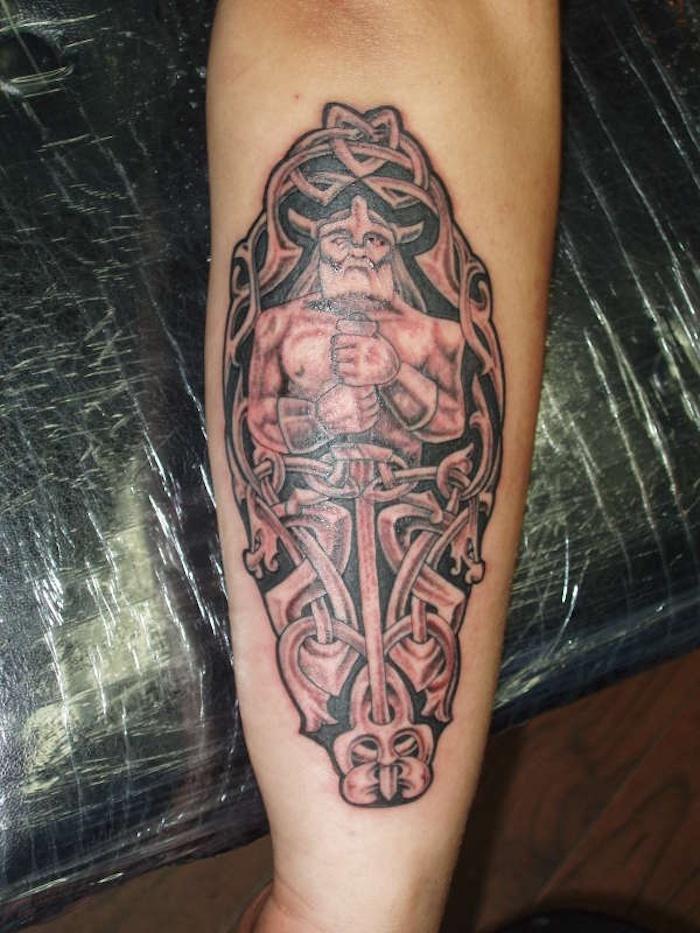 viking tattoo, arm, unterarm, unterarmtattoo, wikinger, schwert