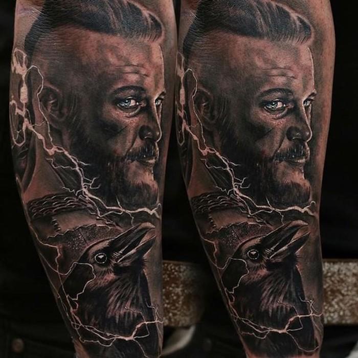 viking tattoo, ragnar tätowieren, blaue augen, armtattoo