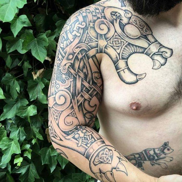nordic tattoo mit vielen elementen, tiger, brust, arm tätowieren,