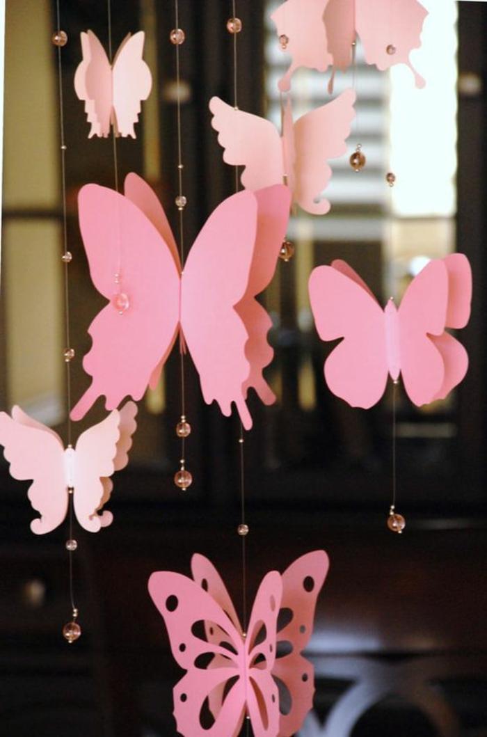 Girlande Schmetterlinge basteln Rosa Fensterdeko für den Sommer